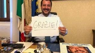 La foto postata su Twitter da Salvini dopo il voto