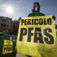 Disastro Pfas, la Provincia di Vicenza ha nascosto l'inquinamento per tredici anni