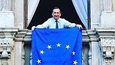 Europa, il successo dell'iniziativa di Prodi per la bandiera alle finestre