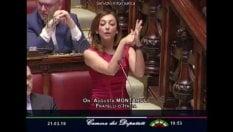 Montaruli (Fdi) parla il linguaggio dei segni: