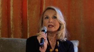 """Barbara Bouchet: """"Quella volta che per un rifiuto di Antonioni divenni Miss Moneypenny"""""""