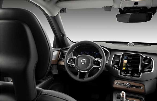 Volvo Cars, telecamere a bordo per la sicurezza stradale