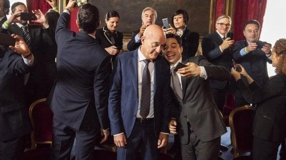 'Bentornato Presidente!', Bisio stavolta diventa premier e salva l'Italia per amore