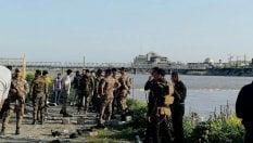 Iraq, naufraga un battello a Mosul: 100 morti nel giorno del capodanno persiano