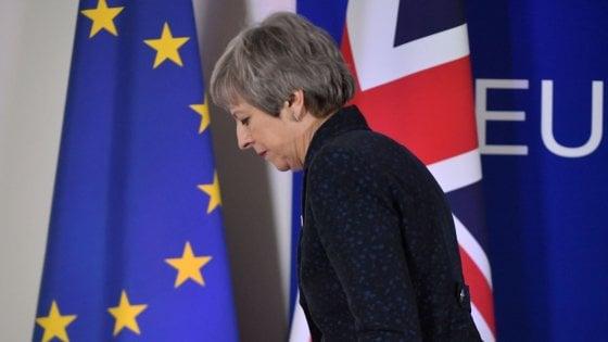 """Brexit, Tusk: """"Tutte le opzioni aperte per Londra fino al 12 aprile"""". May: """"Lasceremo l'Ue"""""""