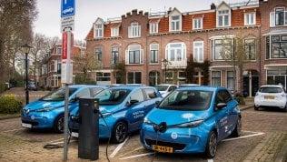 Renault, al via la sperimentazione della ricarica bidirezionale