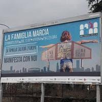 """Il forum di Verona e il manifesto con la """"famiglia marcia"""". Anche un fake infiamma la..."""