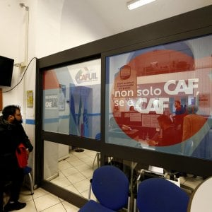 Reddito di cittadinanza, ai Caf superata quota 500 mila domande. Il 6,8% sono under 30