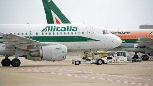 Alitalia, sciopero confermato il 25 marzo. A terra quasi 100 voli