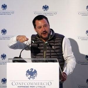 Banche, da Salvini attacco a Tria: Firmi il decreto rimborsi, mi sono rotto di aspettare l'Europa