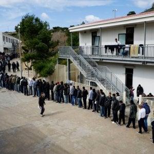 Lampedusa, si teme che i migranti della Mare Jonio siano detenuti arbitrariamente nell'hostpot dell'isola
