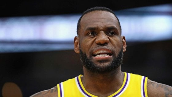 Basket Nba, Lakers fuori dai playoff: il primo vero fiasco di LeBron James