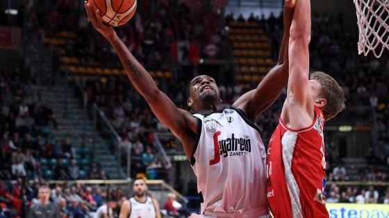 Basket, Bologna-Pesaro 78-70: Djordjevic sa solo vincere