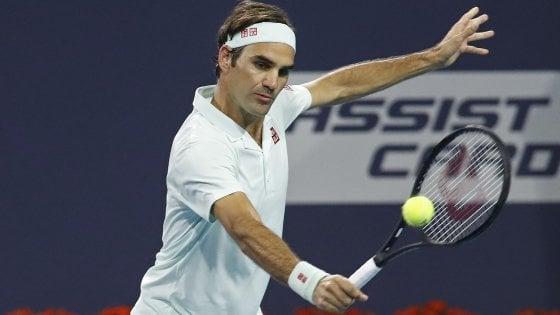 Tennis, Miami: Federer soffre ma avanza, Ferrer elimina Zverev