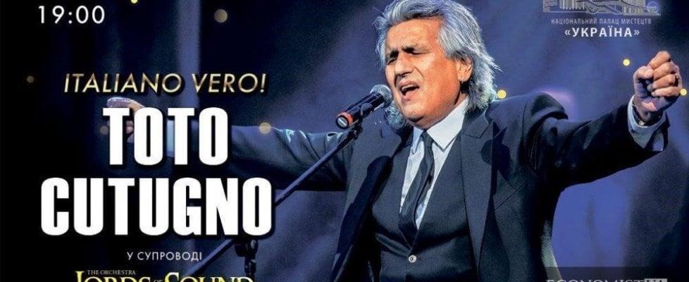 Tensione al concerto di Toto Cutugno a Kiev, un uomo sale sul palco