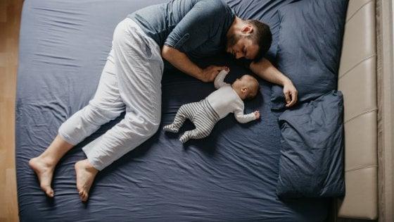 Congedo di paternità, scatto in avanti a P&G: otto settimane pagate per i neo-papà