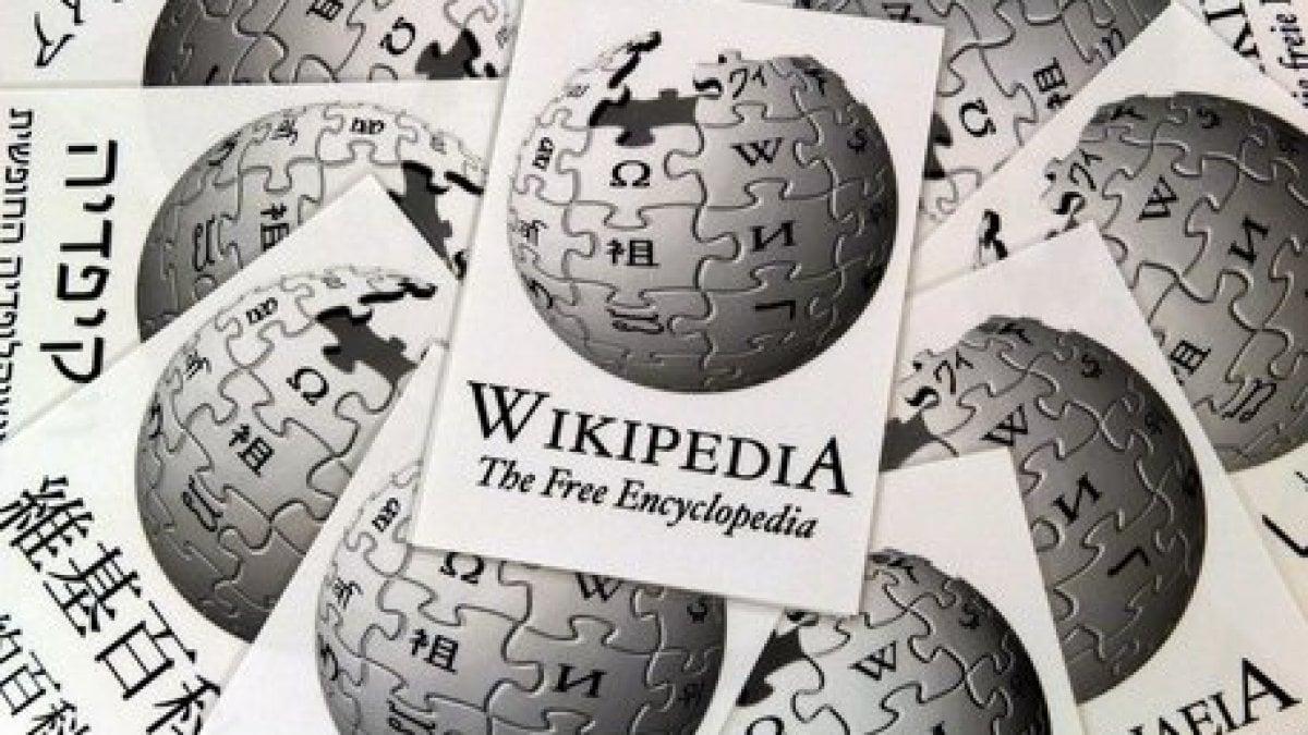 Copyright: la pagina Italia Wikipedia oscurata prima del voto