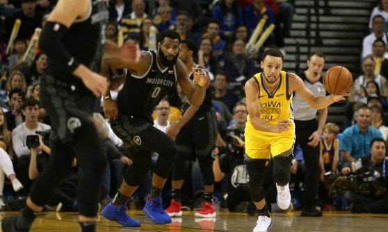 Basket, Nba: Golden State torna in testa, Gallinari avvicina i Clippers ai playoff