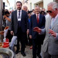 La prima storica visita di Carlo e Camilla a Cuba