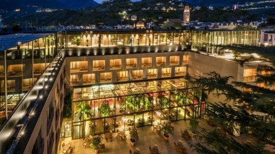 Il benessere in hotel di design nel centro della città, con vista sulla natura