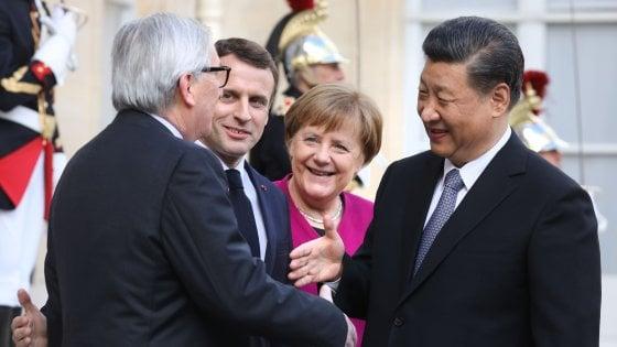 """Xi Jinping a Parigi, Merkel: """"Dalla Cina serve reciprocità"""". Macron: """"Rispetti i nostri valori"""""""