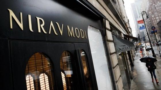 India, l'imprenditore dei gioielli truffa una banca per due miliardi di dollari. I suoi quadri battuti all'asta