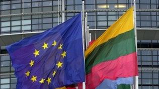 """Copyright, l'Europarlamento approva la riforma. """"Equo compenso a editori e artisti"""" I contenuti"""
