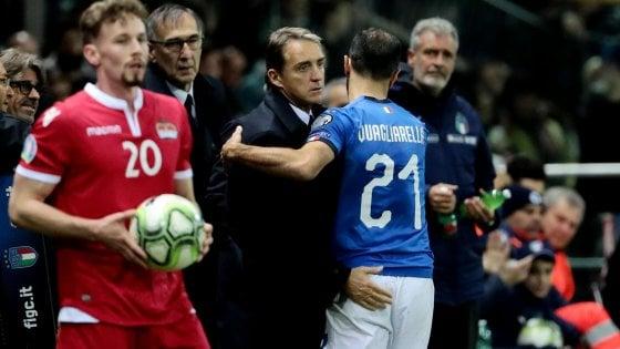 """Nazionale, Mancini: """"Vittoria scontata, ma bravi a restare concentrati, Balotelli stia calmo, non può piacere a tutti"""""""