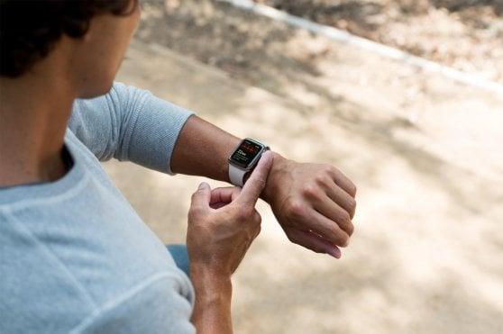 Apple Watch, è il tempo del cuore. L'orologio fa l'elettro     cardiogramma: la nostra prova