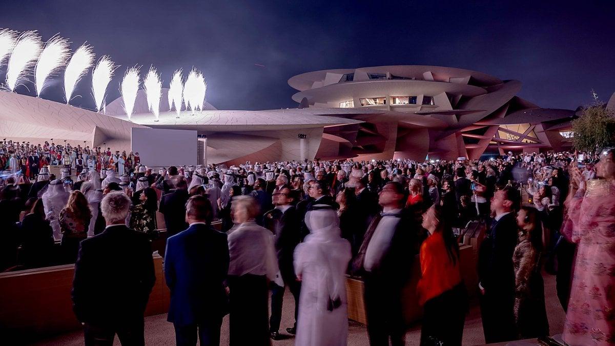 """Lavorare In Qatar Architetto qatar, ecco la """"rosa nel deserto"""". apre il museo firmato"""