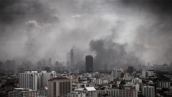 L'inquinamento atmosferico aumenta paranoie e psicosi nei ragazzi