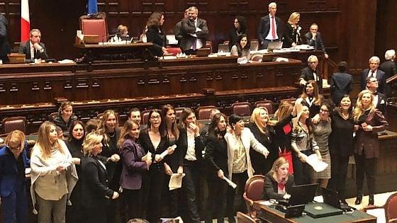"""Legge sul """"revenge porn"""",  liti in Parlamento e Di Maio: """"L'emendamento dell'opposizione noi lo votiamo, la Lega non so"""""""