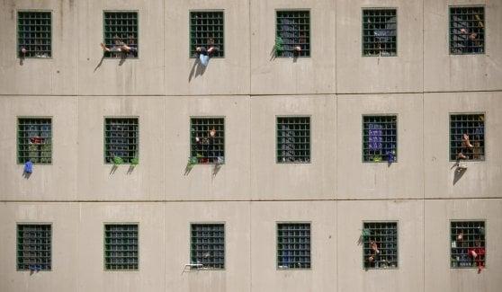 """""""Carceri, il sovraffollamento non è una fake news"""". L'allarme del Garante dei detenuti"""