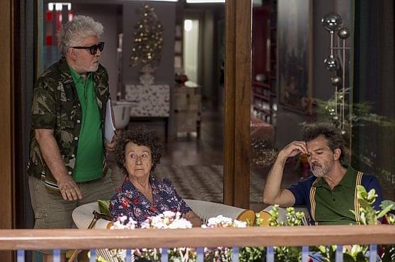 'Dolor y Gloria', Almodóvar e la storia di una vita. La racconta Banderas, nei panni del regista