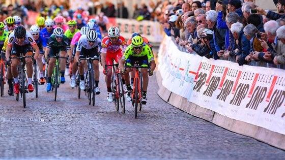 Ciclismo, Coppi&Bartali: sprint di Velasco. Hamilton ancora leader