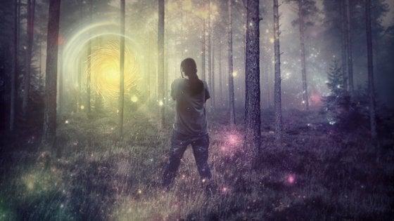 Come nascono le allucinazioni? È il cervello che tira a indovinare