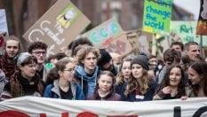 Berlino, in marcia per il clima: 20mila giovani con Greta Thunberg