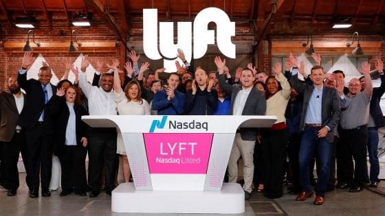 dad20f08ef Il presidente John Zimmer e il ceo Logan Green applaudono alla quotazione di  Lyft sul Nasdaq