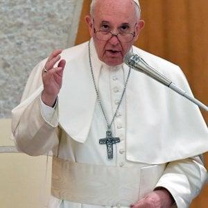 """Il Papa in volo per Rabat: """"Su Verona giusta e equilibrata la riposta del segretario di Stato"""""""