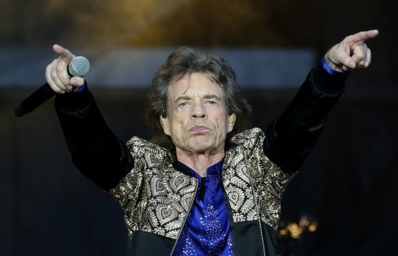 Mick Jagger sta male, Rolling Stones annullano tour: