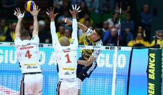 Volley, playoff Superlega: Modena domina Milano e fa sua gara 1 dei quarti