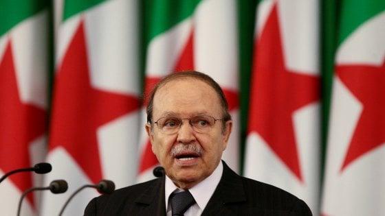 Il presidente algerino Bouteflika si è dimesso
