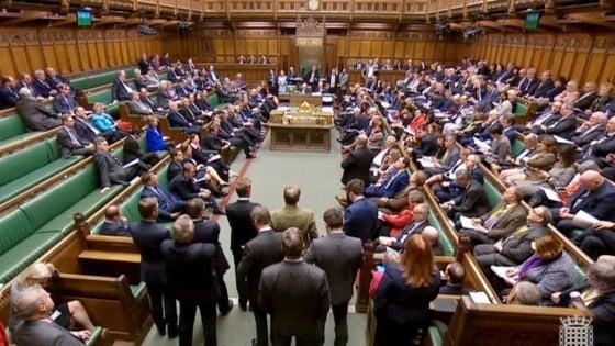 Sconfitti tutti i piani alternativi a Brexit: più vicina un'uscita senza accordo
