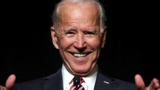 """Un'altra donna accusa Joe Biden di aver avuto con lei un """"comportamento inappropriato"""""""