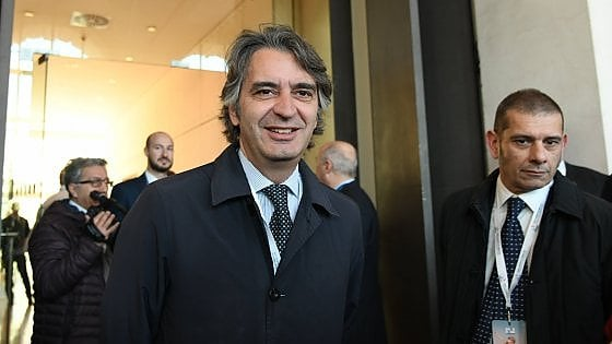 """Verona, il sindaco: """"Di Maio non venga al Vinitaly"""". M5S: """"Si scusi"""". Ma gli organizzatori del forum: """"Inizia a capire"""""""