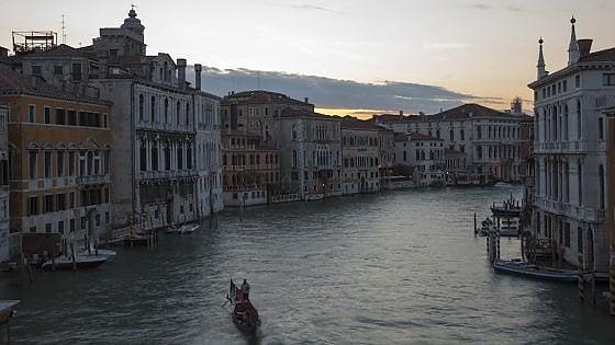 Venezia è sempre una scoperta. Con Canaletto il viaggio tocca presente e passato. E non solo