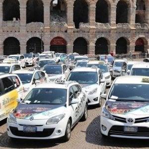 Mercoledì 3 aprile sciopero taxi a Roma, Torino, Genova, Firenze e Napoli
