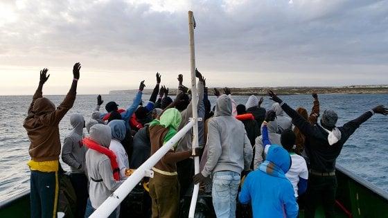 Alarm Phone: scomparso barcone con 50 migranti nel Mediterraneo