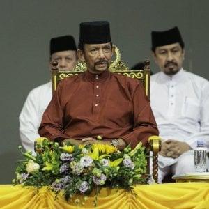 """Brunei, in vigore la pena di morte per gay ed adulteri. La comunità Lgbt del Sultanato: """"Pena medievale"""""""