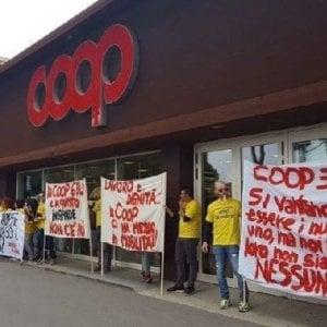 Unicoop Tirreno, firmato l'accordo: salvi 270 posti di lavoro
